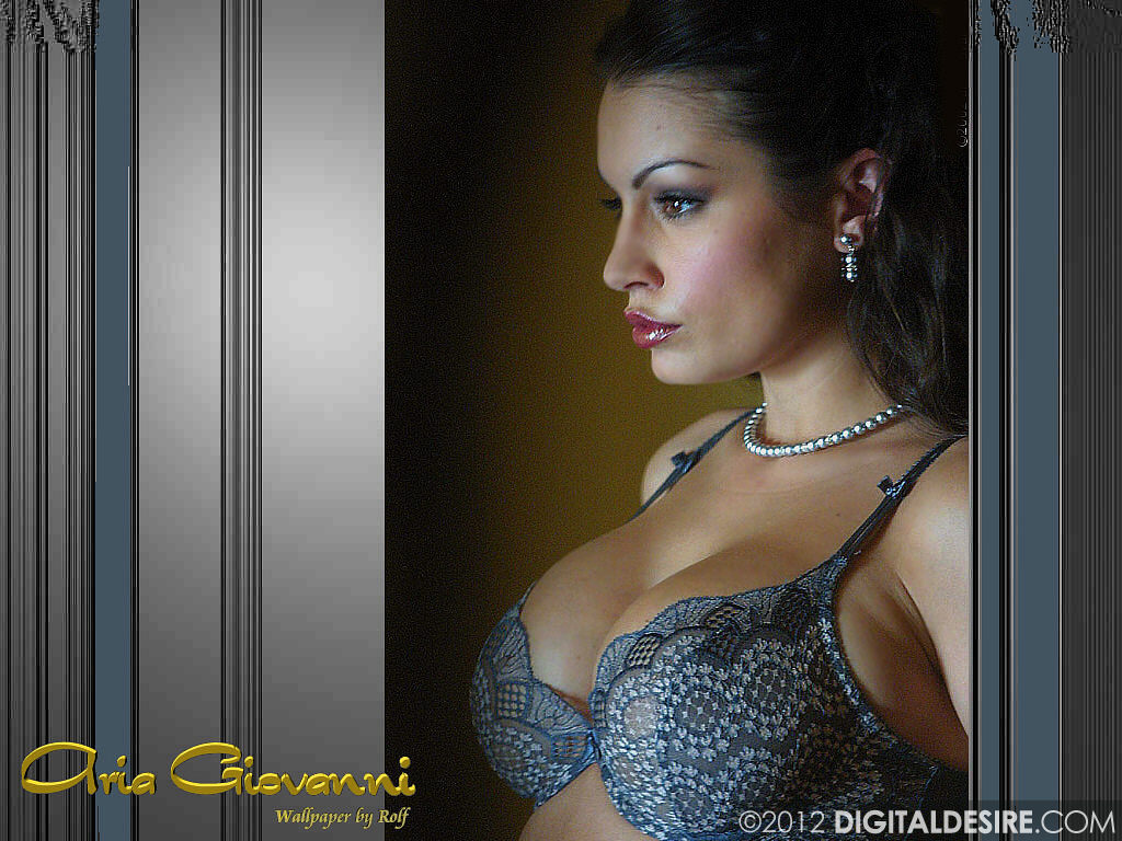 http://www.rexwallpapers.com/images/wallpapers/celebs/aria-giovanni/aria_giovanni_2.jpg
