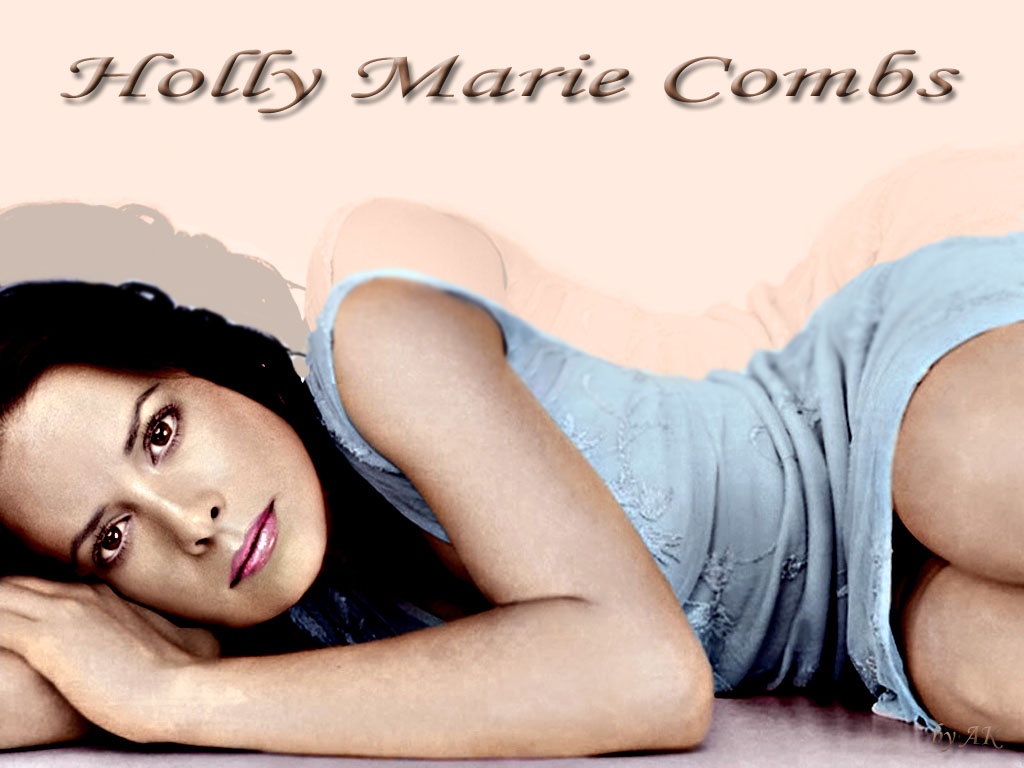Holly marie combs 30