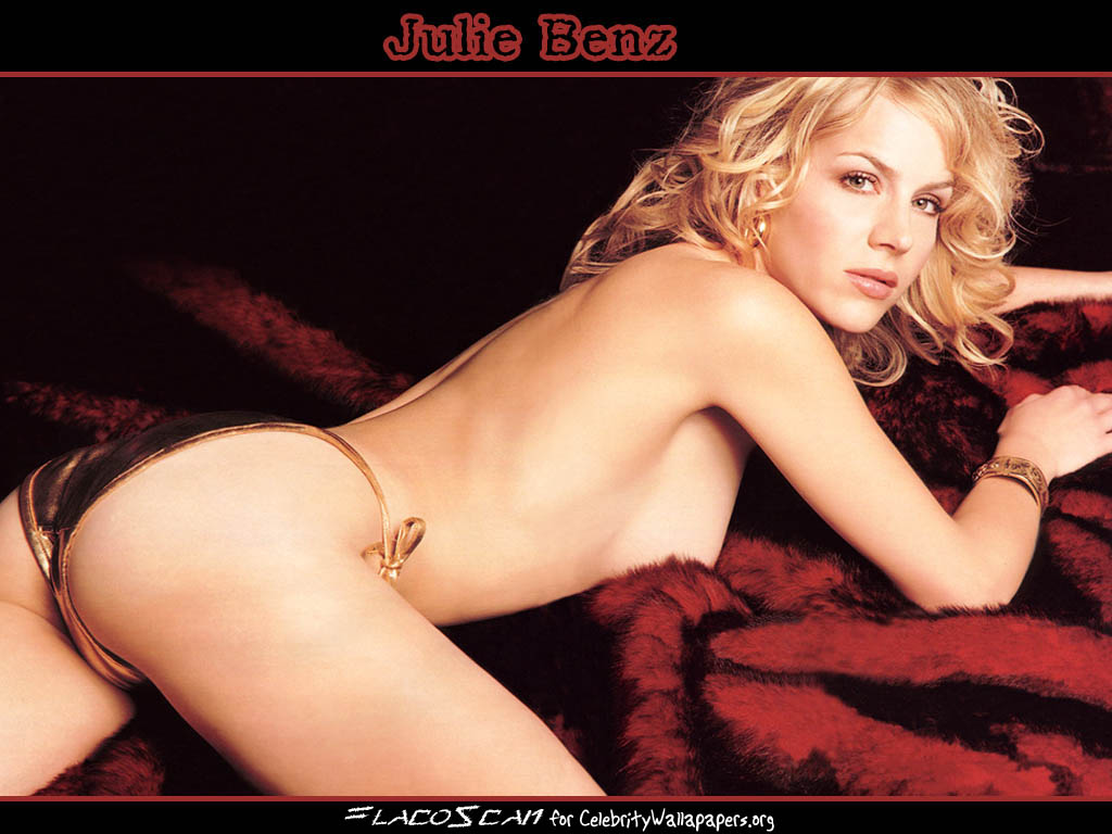 Download Julie Benz Wallpaper