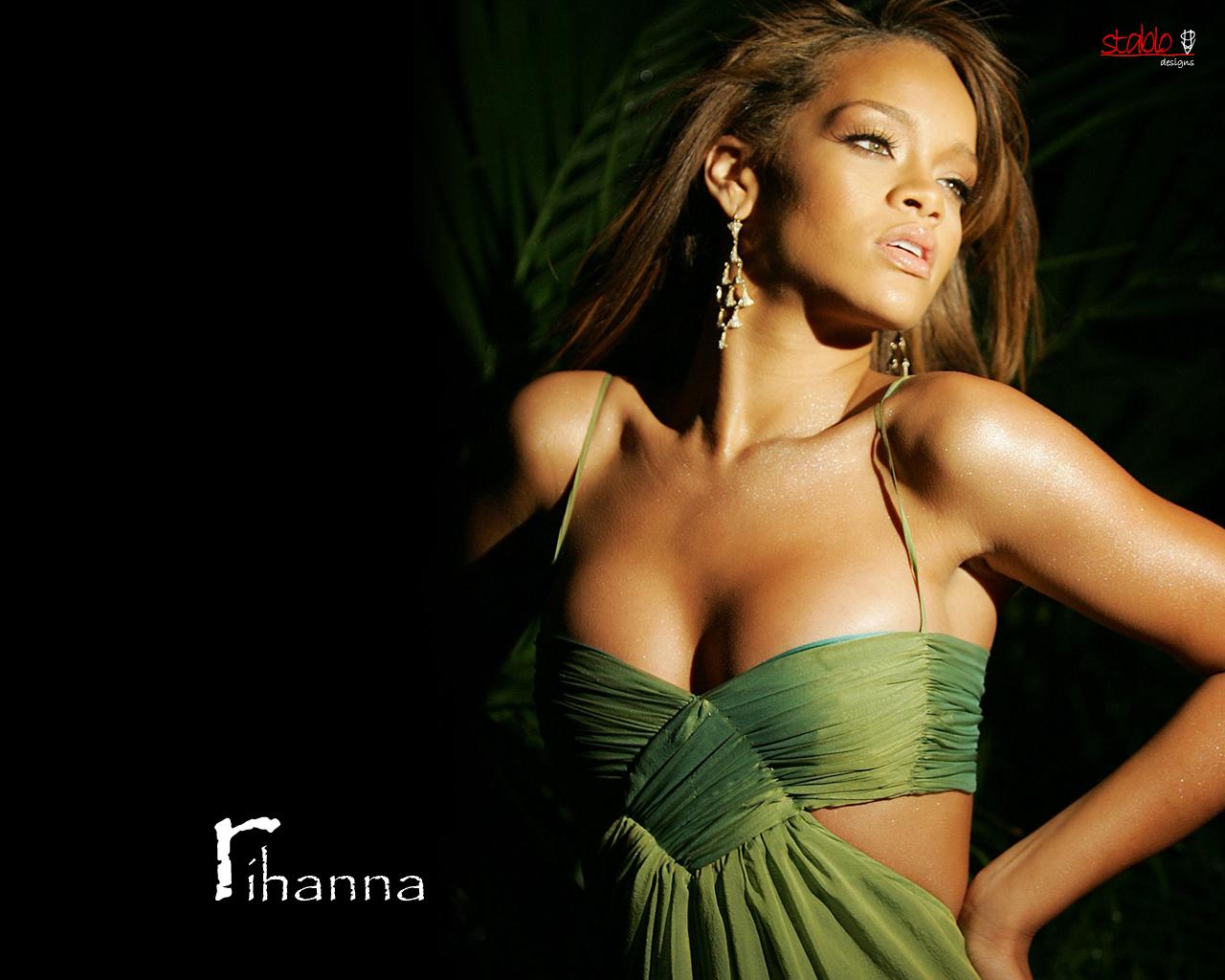 Rihanna wallpaper 8