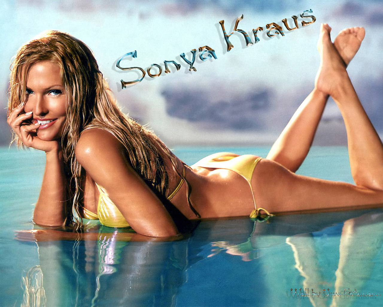 http://www.rexwallpapers.com/images/wallpapers/celebs/sonya-kraus/sonya_kraus_3.jpg